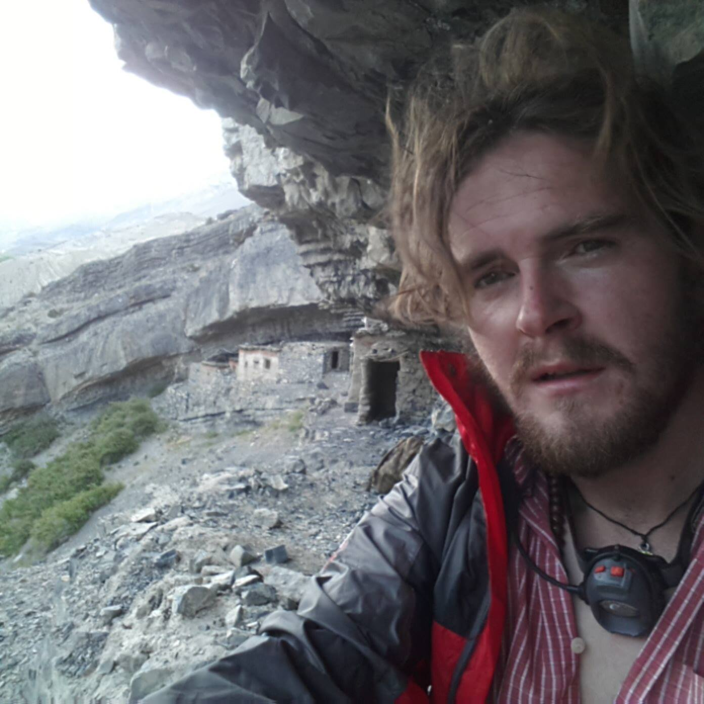 Picture of Pascal Bedoret at a retreat cave in Nepal